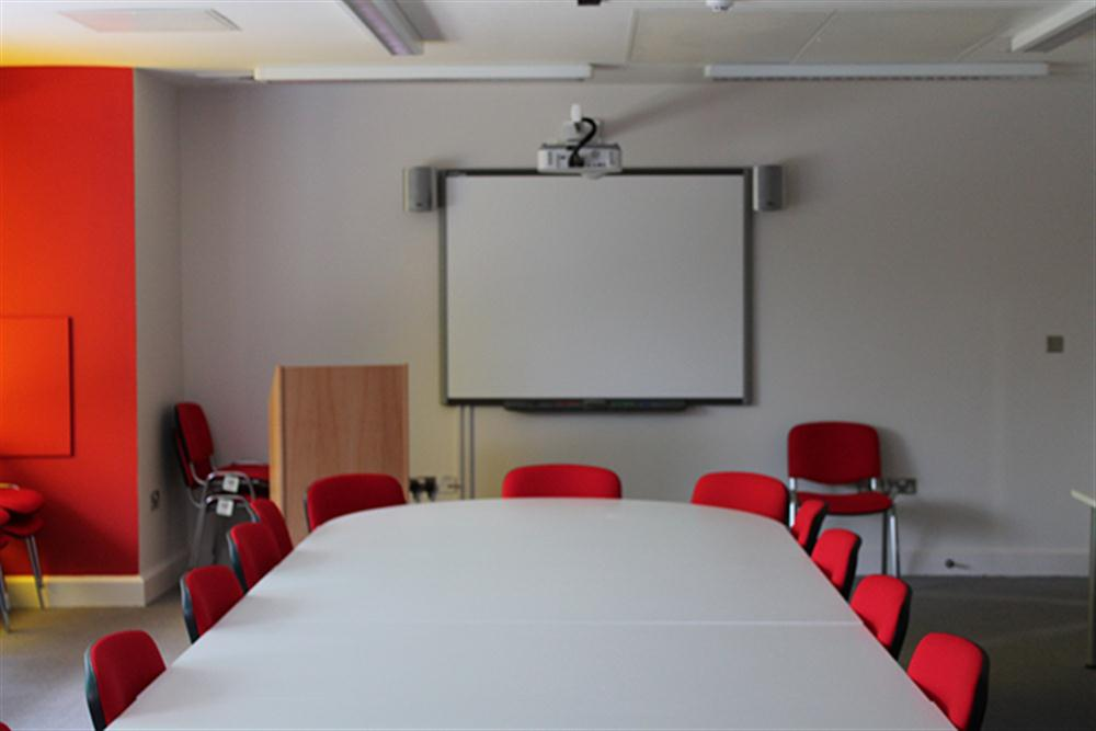 Interactive Whiteboard Solutions Board Training Room Solutions - Whiteboard conference table